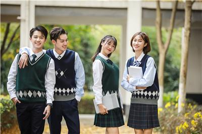 中学生定制校服设计的主流颜色
