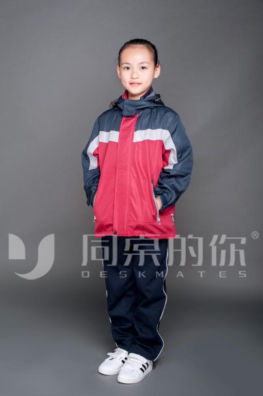 冬季校服上为什么要有反光条设计?